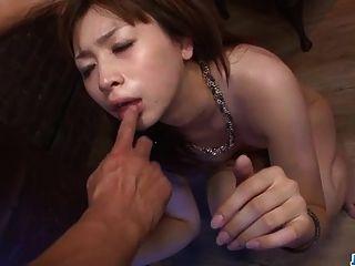 seriöses Pornospiel mit kahlen Titten mami yuuki