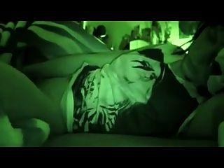 sooooo gute Nachtsicht Selfie Orgasmus in ihrem Bett
