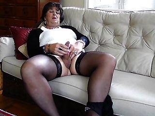 Strumpf gekleidet Transen Carolyn Cums für Sie Tranny Orgasmus