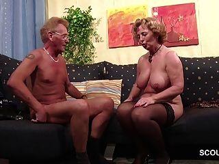deutsches altes Paar im ersten Mal Porno Casting Rollenspiel