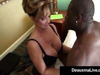 Milf Sekretärin Deauxma wird von großen schwarzen Schwanz des Chefs geknallt!