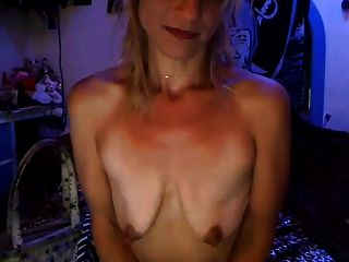 der Traum: kleine leere schlaffe Brüste 95