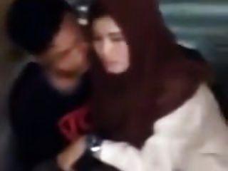indonesisch ngintip jilbaber grepe dan ciuman