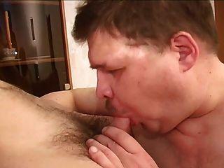 mollig Papa spielen mit Twink jung