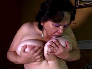reife vollbusige Mutter braucht anal und Pussy fuck