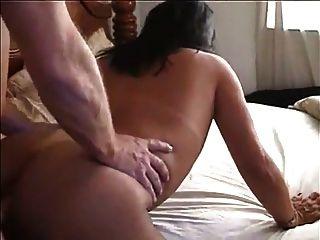 sexy Mexi Milf Gesichtsbehandlung