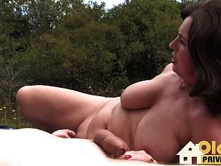 Outdoor-Oldie-Porno