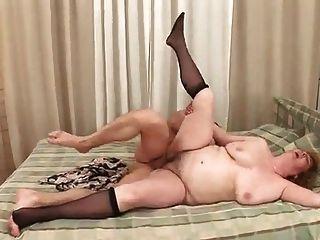 haarige Oma braucht Sperma