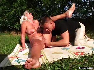Oma Outdoor-Sex
