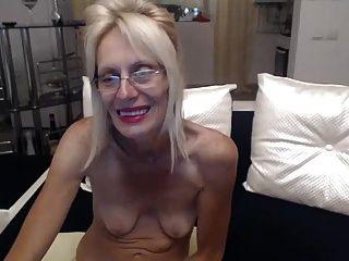 geile Oma masturbieren