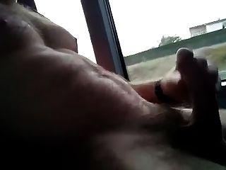 Masturbation im Bus