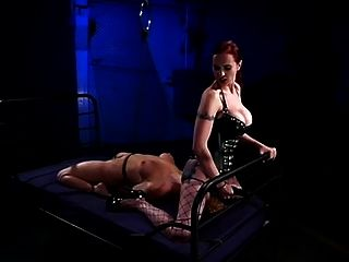 BDSM Fuß gefickt von Herrin in Bondage Teil 2