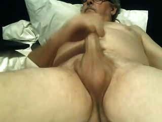 Opa wichsen ungeschnitten großen Schwanz Cums