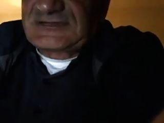 alter Mann wichsen und cum