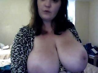 Amateure große Titten vor der Webcam