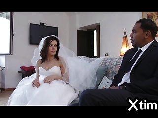 Untreue italienische Frau fickt mit einem schwarzen Mann