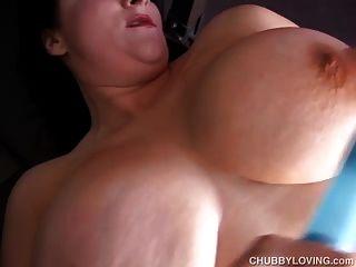 geile Riesentitten bbw fickt ihre fette saftige Pussy für dich