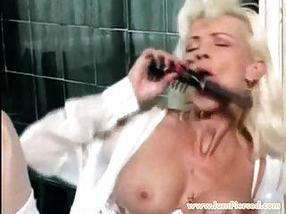 ich bin gepiercte milf mit pussy piercings anales spiel