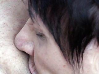zwei lesbische Omas ficken reife Mutter