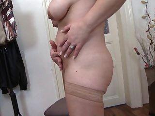 reife Sex-Bombe Mama mit hungrigen alten Fotze