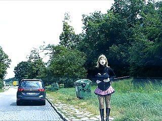 rubberdoll monique rubberwhore Nutte auf deutschen Straßen