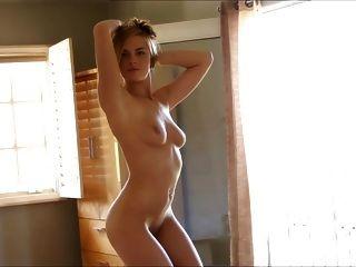 super sexy Blondine fingert sich selbst
