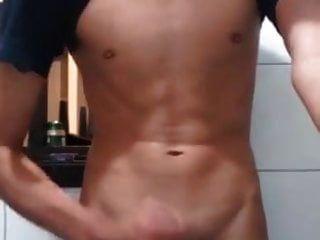 süßer sexy junge cum auf spiegel