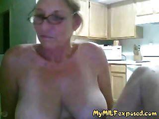 meine milf ausgesetzt oma mit großen titten spielt vor der cam