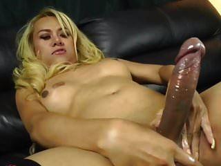 sexy lady boy mit großen schwanz cumming von bronsonnn