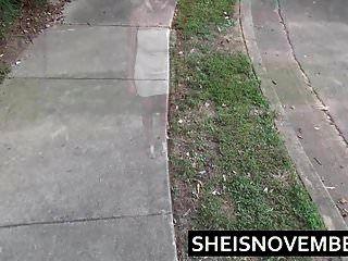 pissing ebony girl msnovember hocken pissen öffentlicher Spaziergang
