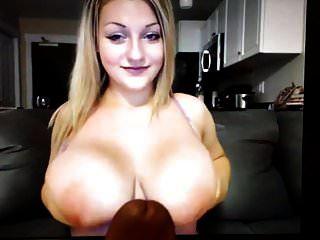 Mädchen mit riesigen Titten bringt mich in 1 Minute zum Abspritzen