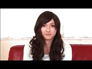sexy japanischer Crossdresser wird gefickt