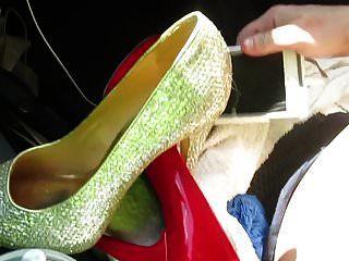 meine Schuhe ausziehen und mit meinen Schuhen masterbieren
