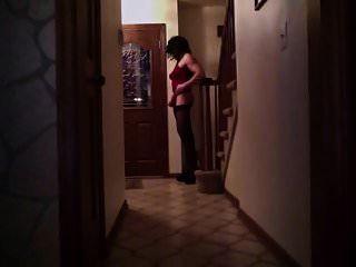 cd ashlee wartet auf pizza in ihren high heels!