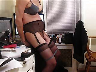 sissy sexretary vickie knebelt am dildo