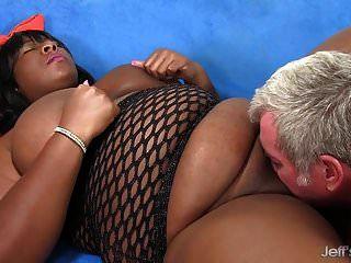 black bbw daphne daniels gefällt einem kerl mit ihrem fetten körper