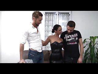 Gangbang und Bukkake für Sexfrau ch1