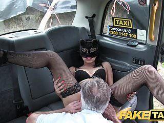 gefälschte Taxi Pussy Katze Rollenspiel Fantasy Fick für lokale Milf