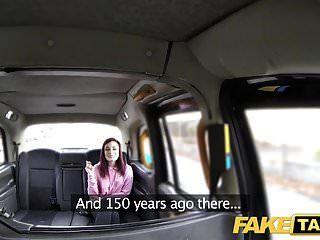 Fake Taxi amerikanische Rothaarige engen Arschloch vom Fahrer gefickt