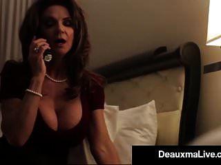 busty texas cougar deauxma fickt ihren hotel-zimmerservice!