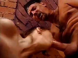der Priester und der Handyman doppelt vaginal und anal