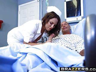 Brazzers Arzt Abenteuer Lily Love und Sean Lawless