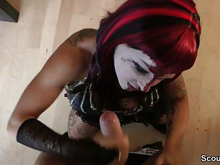 perfekt Deutsch Teen geben Deepthroat Blowjob an Halloween