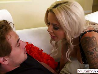 big tits blonde milf nina elle übernimmt die freche amerika