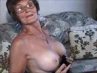 sehr sehr schöne ältere lady.wmv