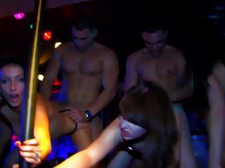 heiße Orgie an der Bar