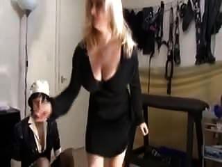 Frau bringt ein Date nach Hause, um ihren sissy Ehemann zu treffen