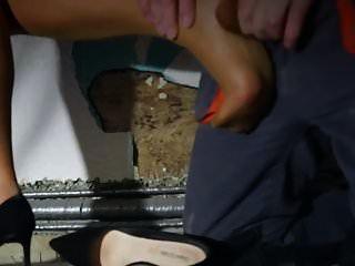 Milf harten harten Sex auf Strümpfen, Beinen und Füßen