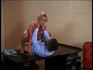 sexy blonde französisch mädchen mit haarige muschi reiten cock.mp4