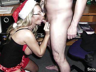 geile milf mit grossen titten fickt den chef ihrer schwester